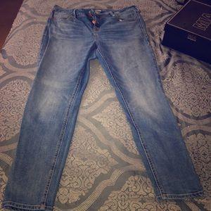 Old Navy Rockstar Super Skinny Hi-Waisted Jeans
